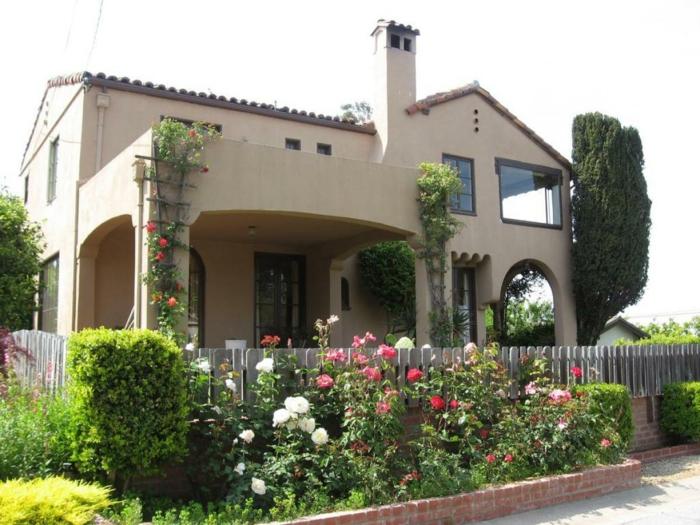 Vorgarten anlegen sch ne ideen wie sie den vorgarten for Spanish style homes for sale near me