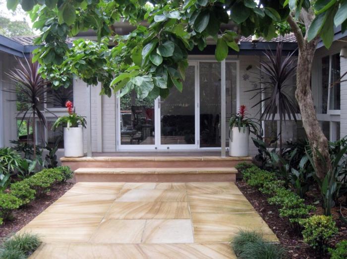vorgarten anlegen treppen gehwegplatten pflanzen eingang dekorieren