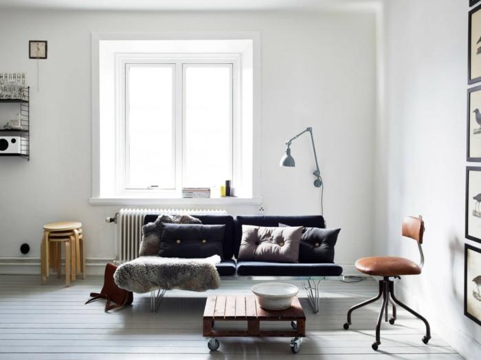 weiße wandfarbe wohnzimmer retro look couchtisch räder