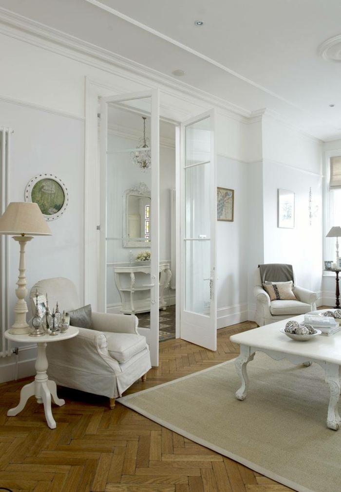 weiße wandfarbe wohnzimmer teppich tischleuchten