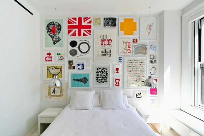 wandfarbe weiss wandgestaltung schlafzimmer doppelbett bilder kollage wanddekoration