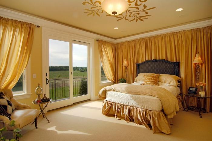 wandfarben 2016 trendfarben schlafzimmer wandekoration goldocker vorhänge tagesdecke teppichboden