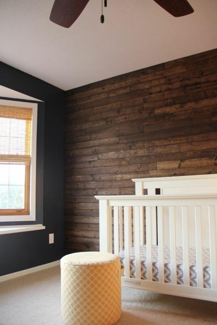 wandpaneele holz kinderzimmer babyzimmer teppichboden dunkle wände