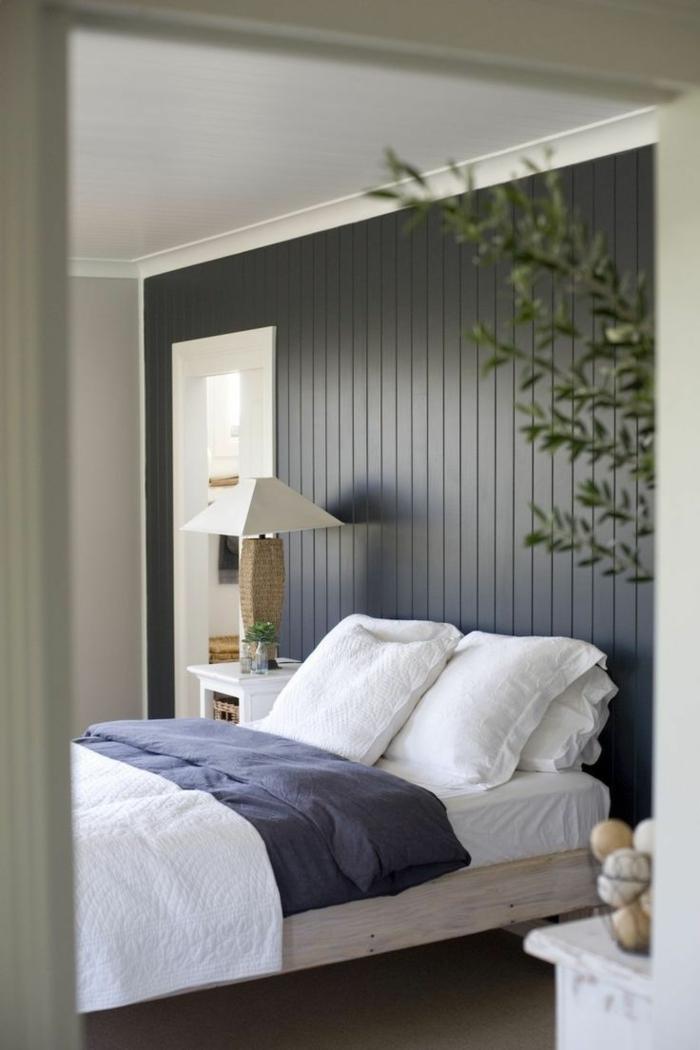 wandpaneele holz wohnideen schlafzimmer dunkle paneele pflanze