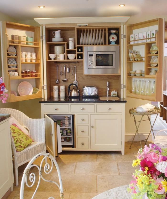 wandpaneele küche holz bodenfliesen blumen offene regale