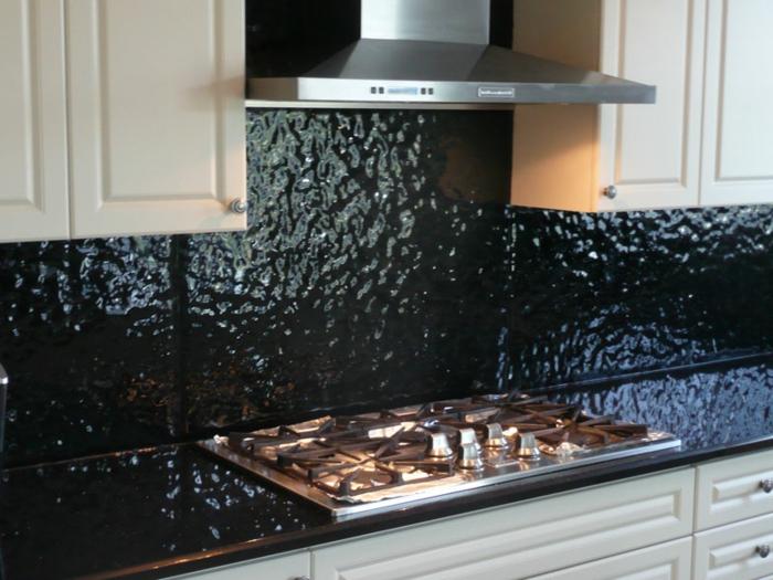 küchendesign wandpaneele schwarz glas weiße küchenschränke