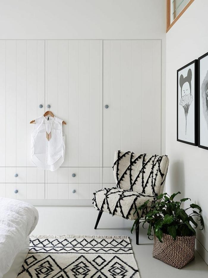 weißer kleiderschrank schlafzimmer einrichten pflanze weißer boden