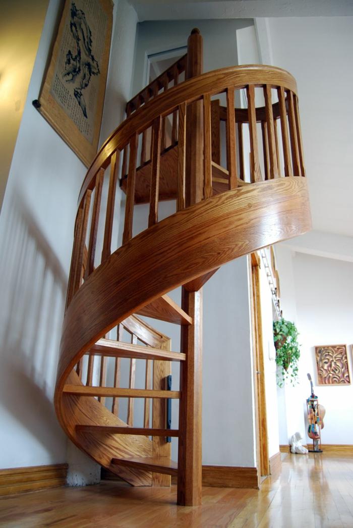 wendeltreppe innen design holz massive innentreppen weiße wände