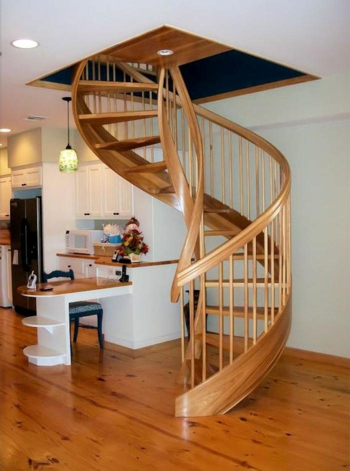 einrichtungsbeispiele wohnzimmer offener küche:wendeltreppe innen holz design massive innentreppen holzboden