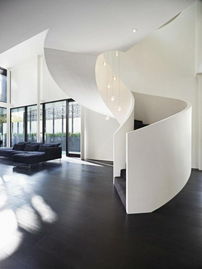 wendeltreppen design innen stilvoll wohnideen wohnzimmer graues sofa