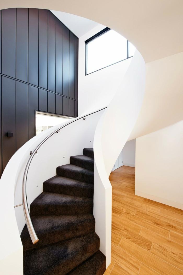 wendeltreppen design weiß elegant treppenteppich innenarchitektur