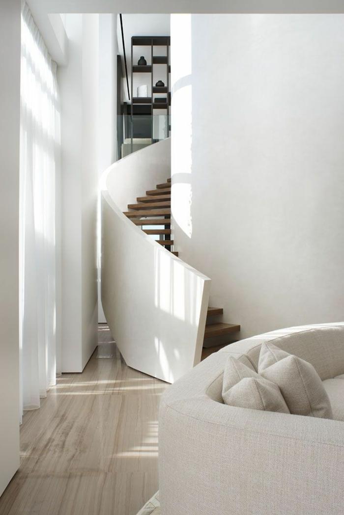 wendeltreppen innentreppe design weiß massiv innenarchitekur wohnzimmer