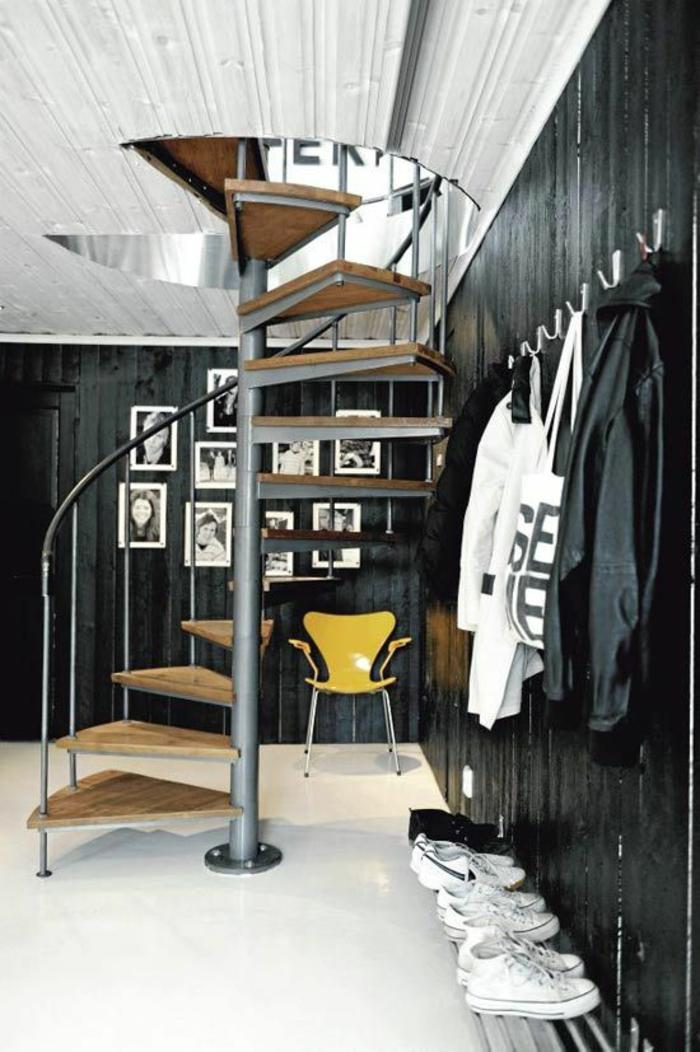 wendeltreppen innentreppen design innenarchitektur schwarze wandgestaltung