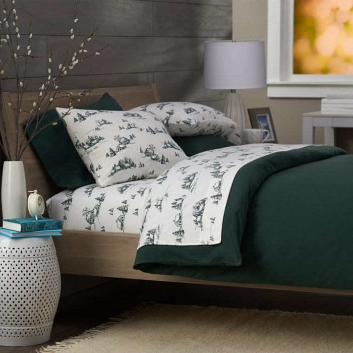 42 winterbettw sche garnituren in entspechenden dessins. Black Bedroom Furniture Sets. Home Design Ideas