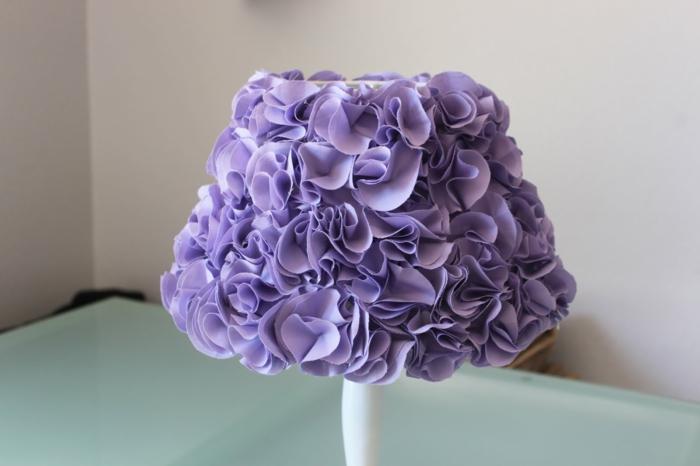 wohnideen selber machen lampenschirm schick lila