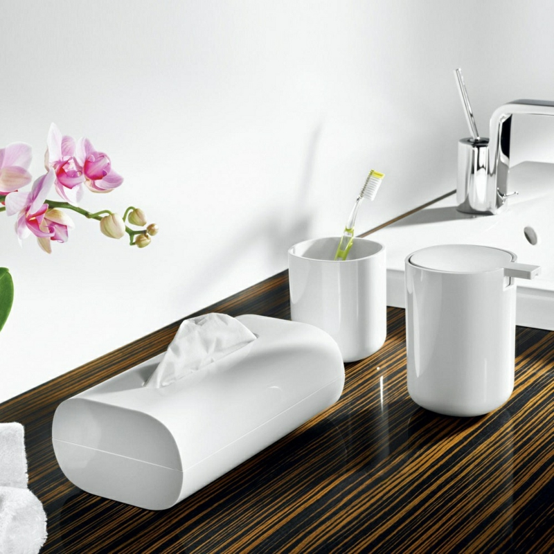 Badaccessoires weiß Seifenspender Badezimmer einrichten