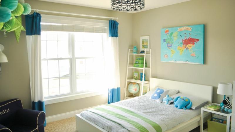 Bilder Kinderzimmer für Jungs blaue Farbakzente