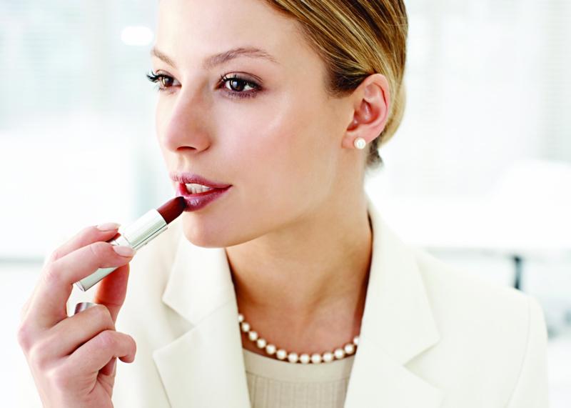 Business Look Frauen Damen Businessmode roter Lippenstift