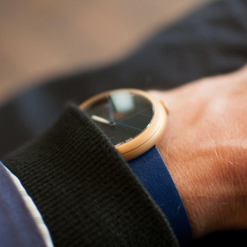 Hach Quarz Armbanduhr Schweizer Uhren