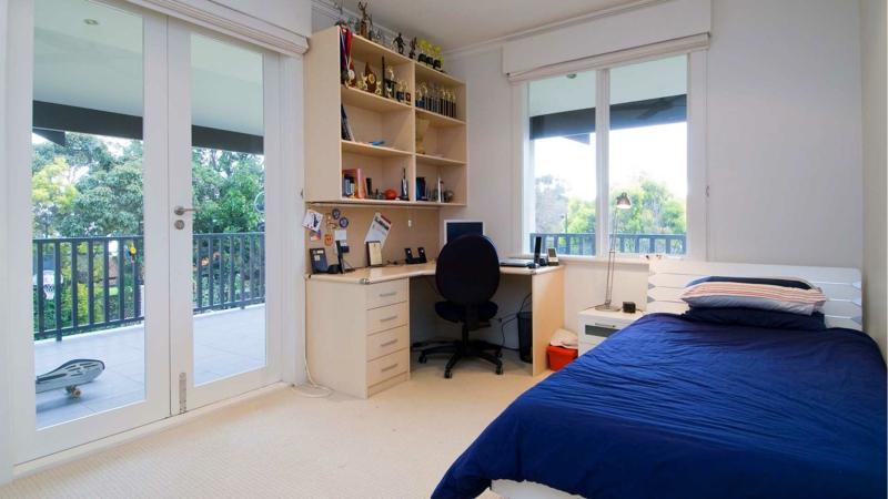Junge Jugendzimmer Ideen Jugendzimmermöbel Bett Bettwäsche blau