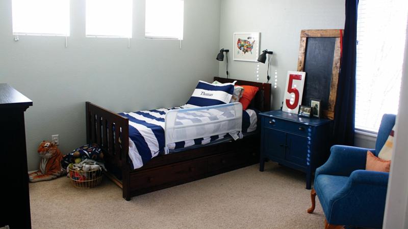 Kinderzimmer für Jungs Ideen Einrichtungsbeispiele Kinderbett