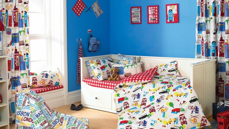 Kinderzimmer für Jungs Ideen Einrichtungsbeispiele Wandfarbe Blau