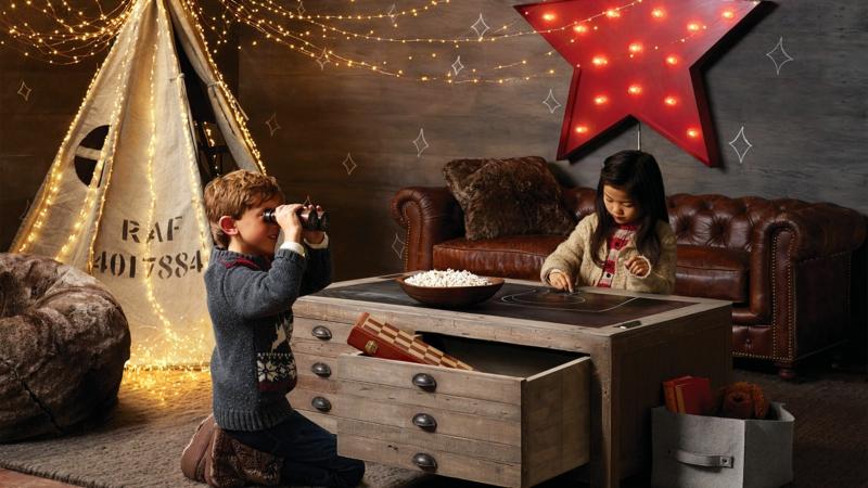 Kinderzimmer für Jungs rustikale Einrichtungsideen Kinder am Spielen