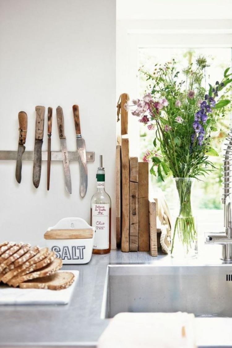 Messer Magnetleiste Küchenzubehör rustikale Kücheneinrichtung