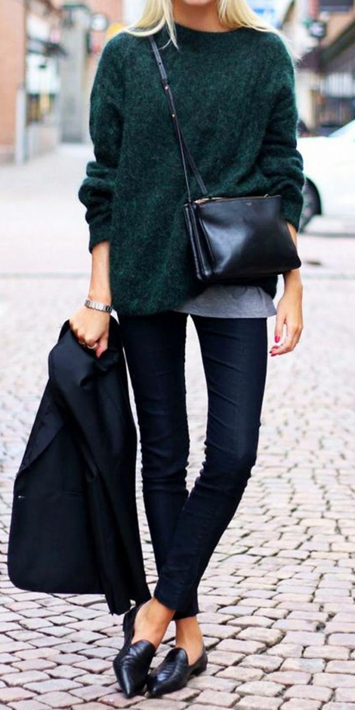 Strickpullover dunkelgrün mit Jeans und Blazer