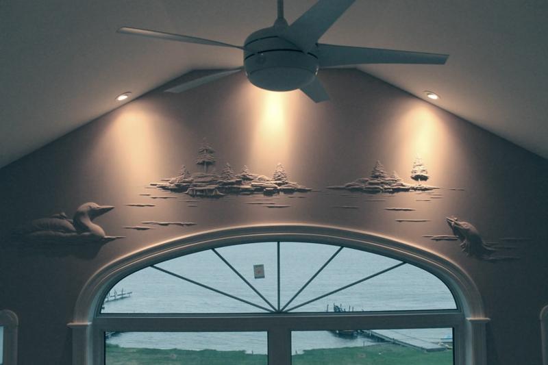 Trockenbauer Bernie Mitchell 3D Wanddeko über dem Fenster Trockenbauwand