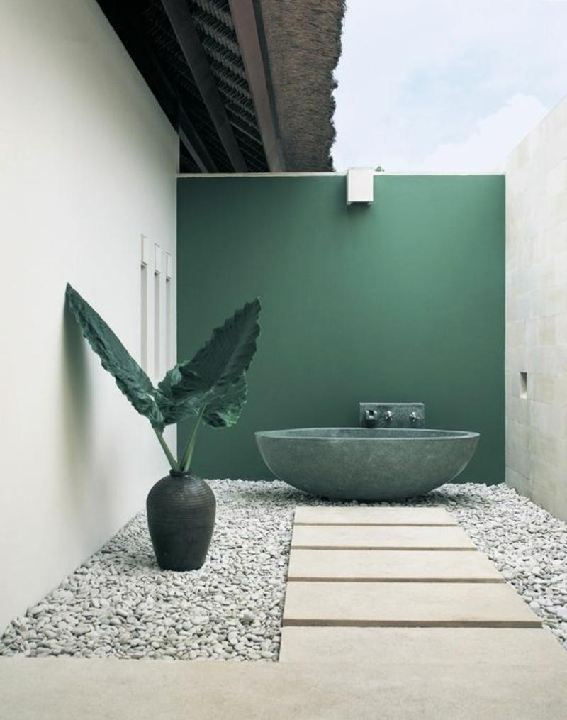 Wandfarben Ideen Hausfassade streichen Innenhof grüne Wandfarbe