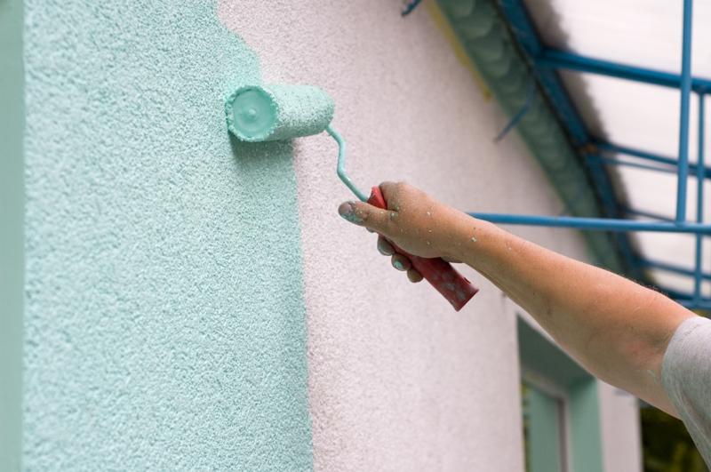 Wandfarben Ideen Minzgrün helle Hausfassade streichen