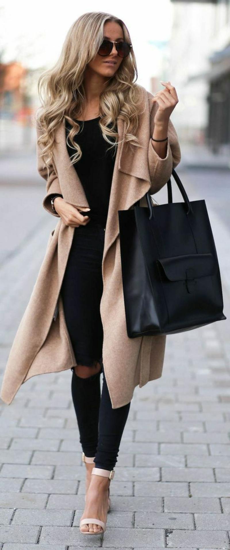 aktuelle Modetrends 2016 Farbtrends beige Mantel