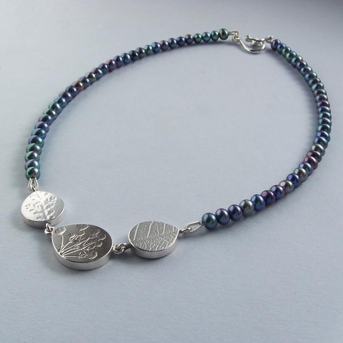 aktuelle modetrends schmuck perlen armbänder