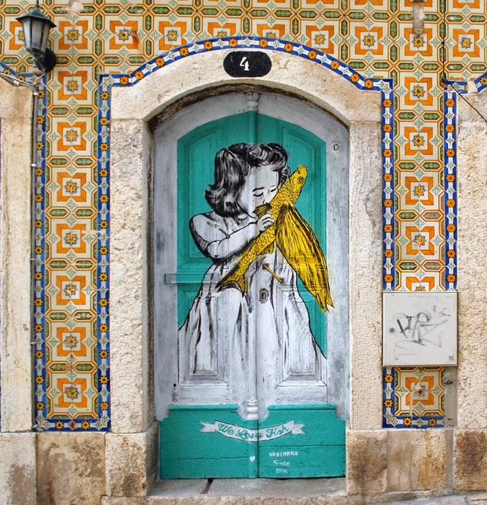 alte Haustüren neu gestalten moderne Haustüren Grafitti Kunst