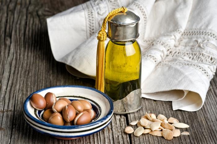 arganöl wertvoles öl gesund früchte gesichtspflege traditionelle naturkosmetik