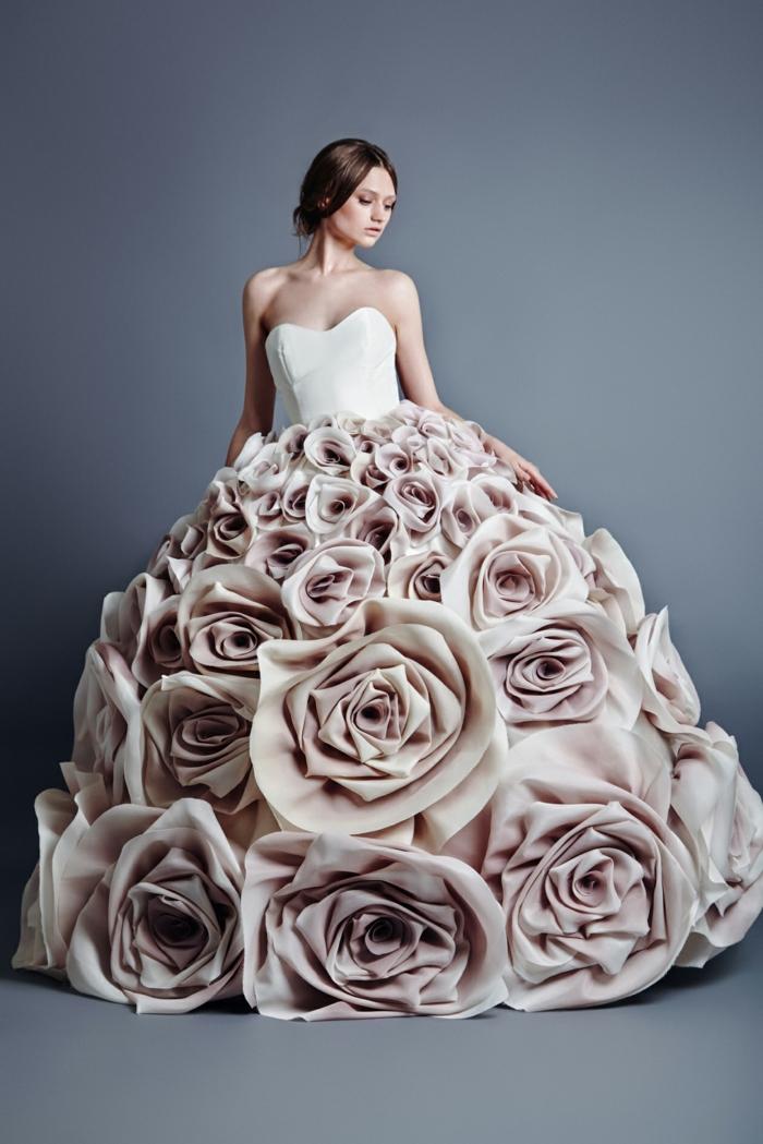 20 Ausgefallene Brautkleider für Ihren traumhaften Hochzeits-Look