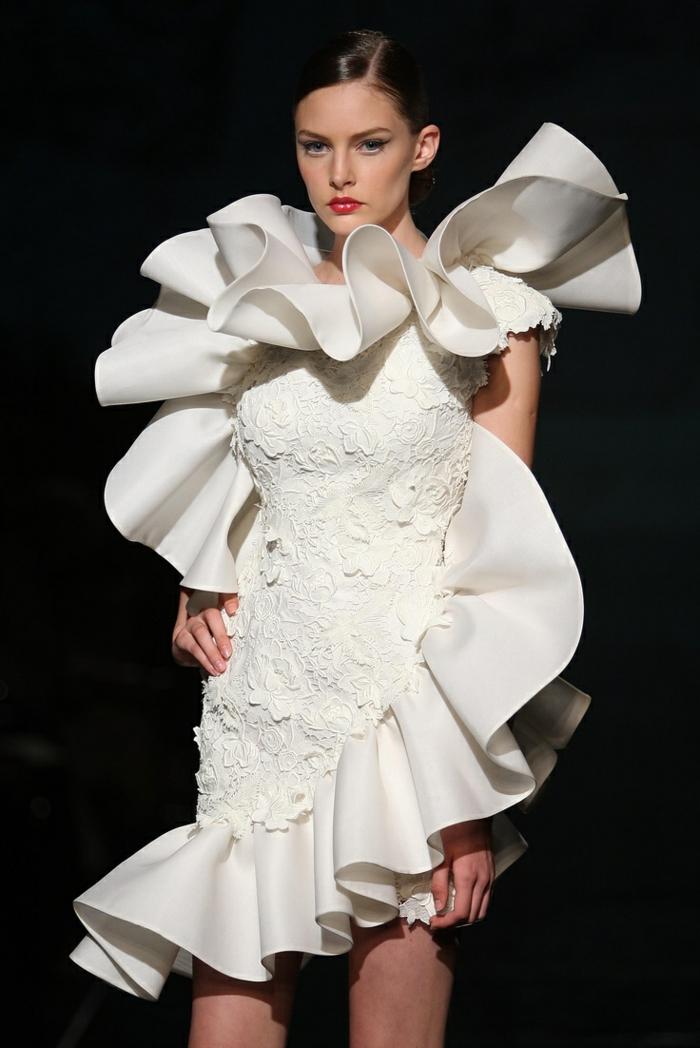 ausgefallene brautkleide haute couture rüschen hochzeitskleider