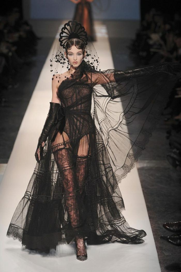 ausgefallene brautkleider schwarzes hochzeitskleid gotik stil haute couture jean paul gaultier