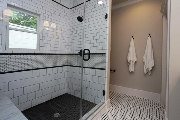badefliesen helles bad badideen dusche fenster