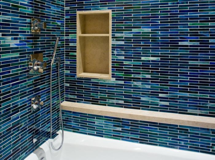 badefliesen blaunuancen wandgestaltung badideen badewanne wandregal