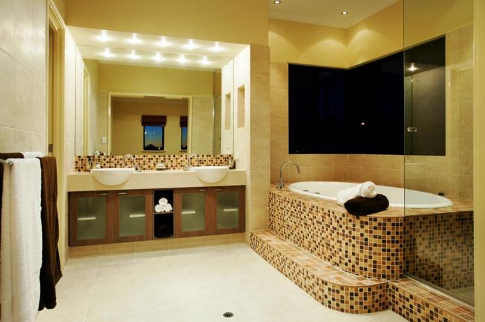 badezimmerfliesen mosaikfliesen badewanne akzente badezimmer beleuchtung