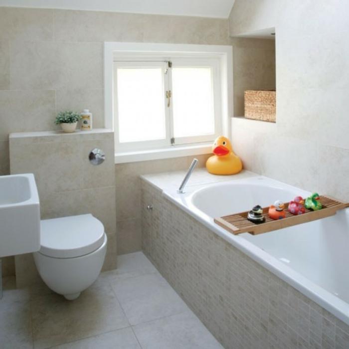 badfliesen badideen kleines bad gemütlich fenster