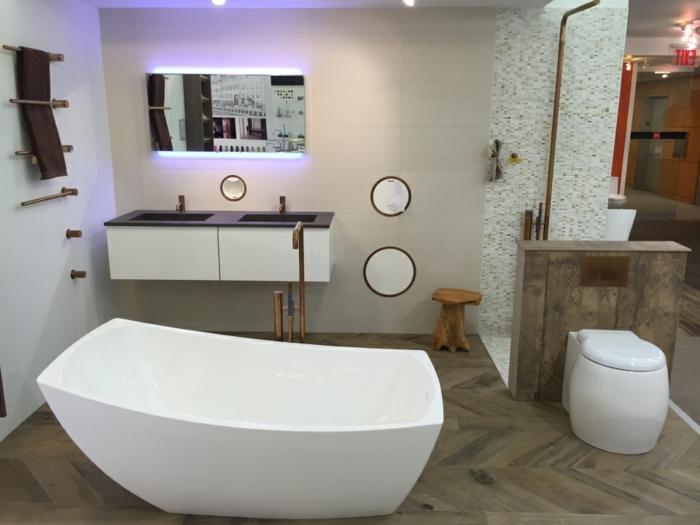 badideen akzentwand fliesen mosaikfliesen weiße wände badewanne