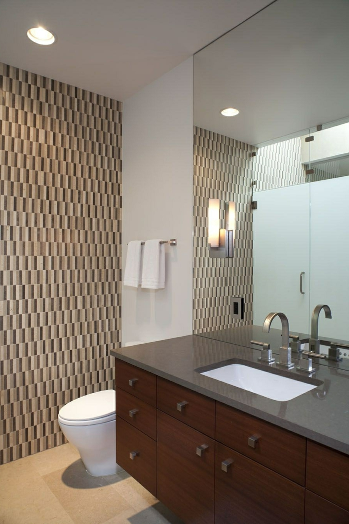 badfliesen akzentwand badkeuchten badspiegel badideen