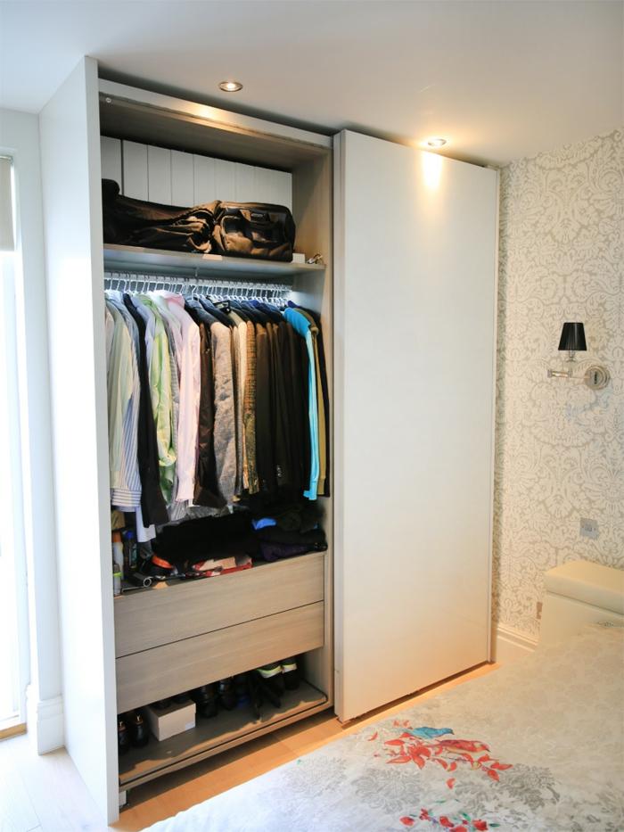 Groß Kleiderschränke Für Kleine Räume Bilder - Die Kinderzimmer ...