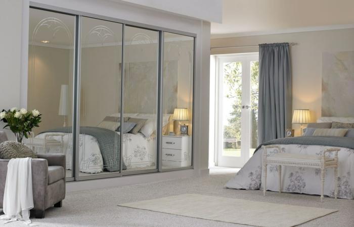 kleiderschrank schiebetüren schlafzimmer spiegel frontseite teppichläufer