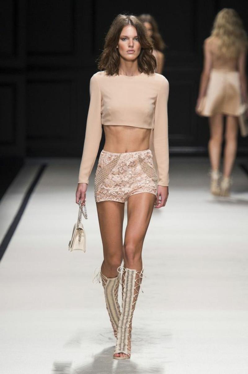 beige Kleider Trendfarben aktuelle Modetrends 2016 Elisabetta Franchi