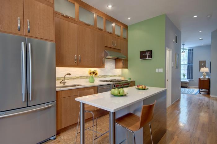 bodenbelag küche korkboden esstisch hellgrüne akzentwand