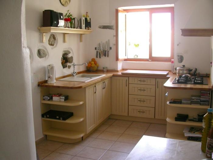bodenfliesen küche offene wandregale kleine küche ideen